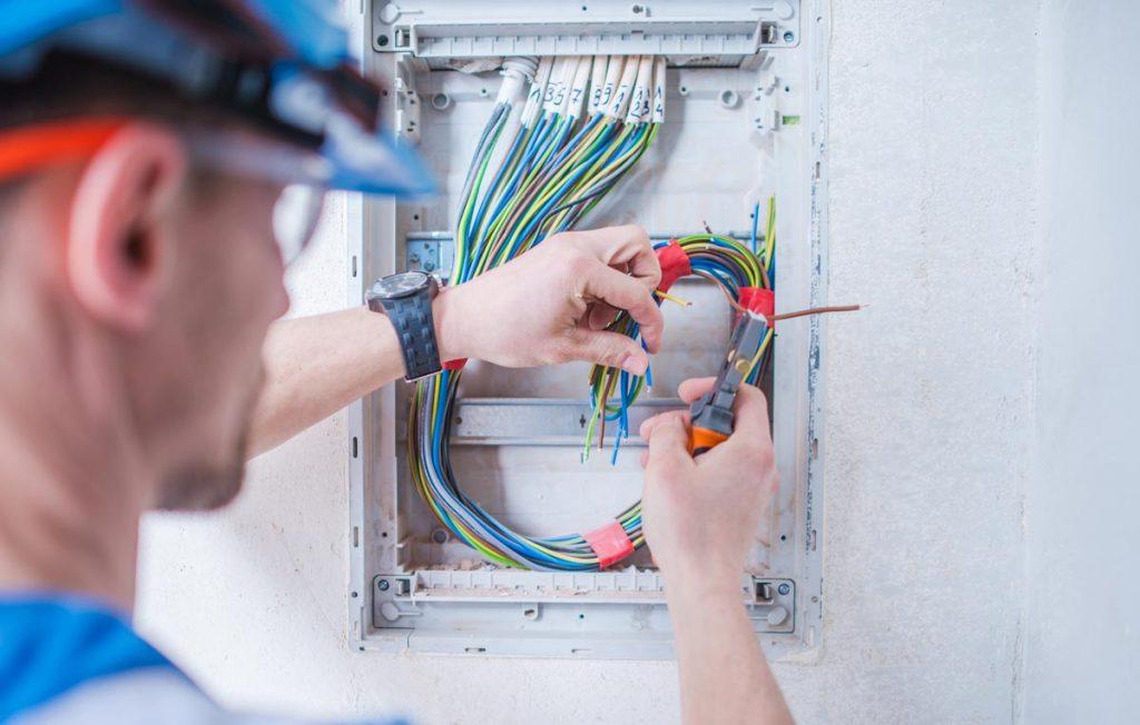 Mejores Herramientas para los electricistas